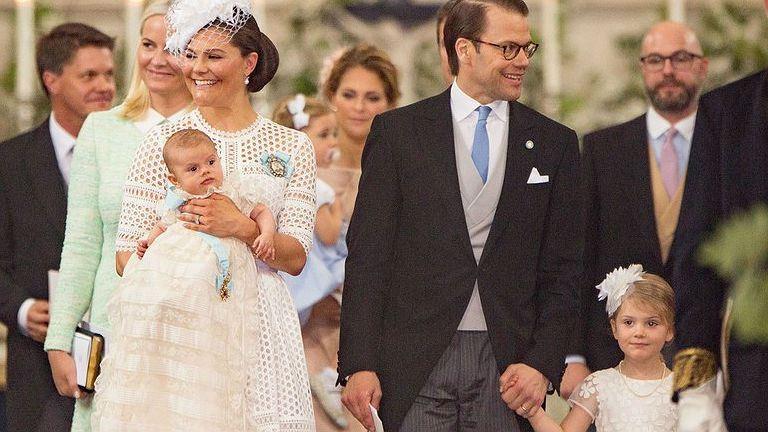 Megkeresztelték a svéd trónörökös kisfiát