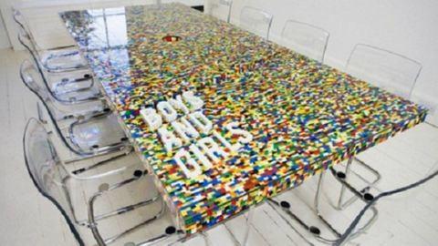 8 extraszuper legóból készült bútor
