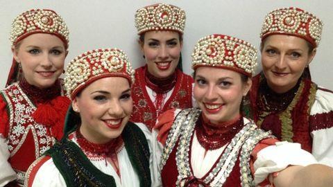 Vastapssal ünnepelték a magyar néptáncosokat Kínában
