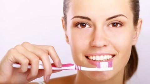 Vigyázz! Ezzel károsítod a fogaidat!