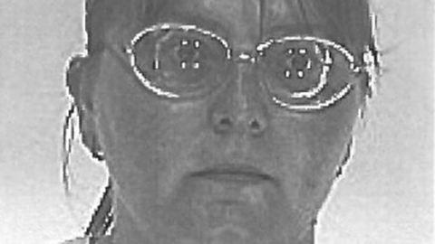 Eltűnt egy fehér bottal közlekedő nő