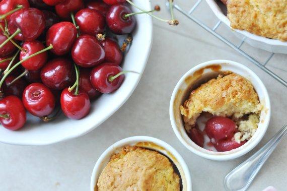 Crumble és cobbler: a nyár kedvenc gyümölcsös desszertjei