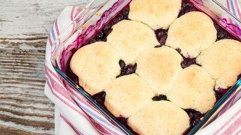 Cobbler és crumble: a nyár kedvenc gyümölcsös desszertjei