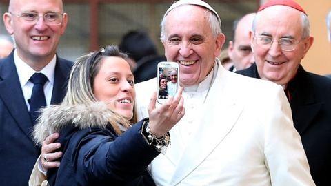 Ferenc pápa áldását adta a videobloggerekre