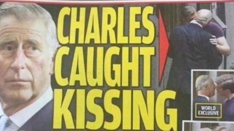 Melegbotrány: Károly herceg egy fiatal fiút csókol