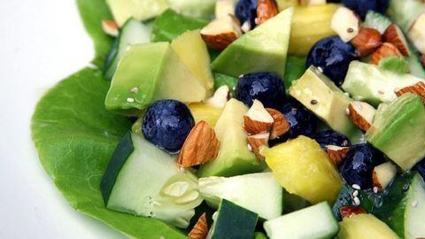 Ezeket tedd a salátádra, hogy gyorsabban fogyj!