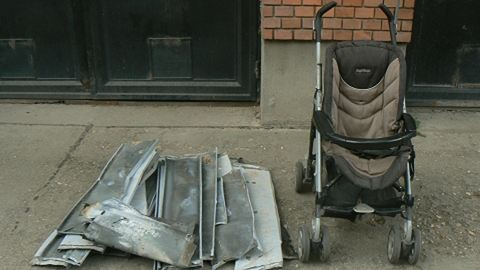 Ablakpárkányt loptak a babakocsis tolvajok