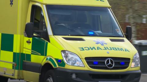 Megütött egy mentőst egy részeg férfi