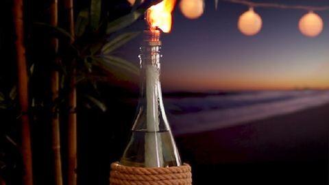 Teremts romantikus hangulatot az erkélyedre ezzel a gyertyával! – videó