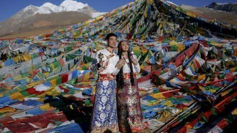 Menyasszonyi ruhák a világ minden tájáról