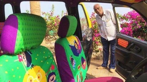 Megható: kidekorálták az emberbarát taxis kocsiját – fotók