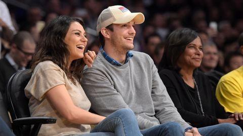 Mila Kunis és Ashton Kutcher: jön a második baba