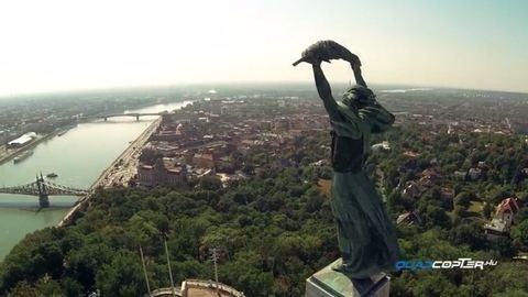 Kárpázatos drónnal készített videó Budapestről, szinte beleszédülsz