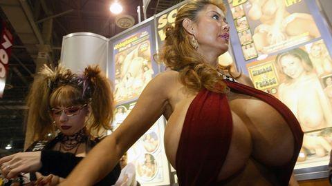 Erotika-kiállítás: erre gerjedtek a 90-es években