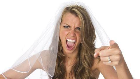 """""""Operáltasd kisebbre a melleidet az esküvőmre!"""""""