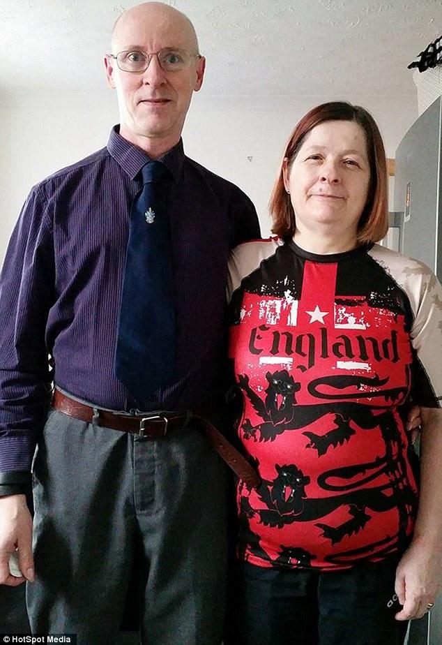 25 év után árulta el feleségének, hogy rúdtáncos