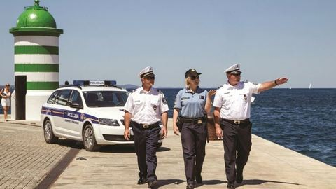 Magyar rendőrök mennek az Adriára