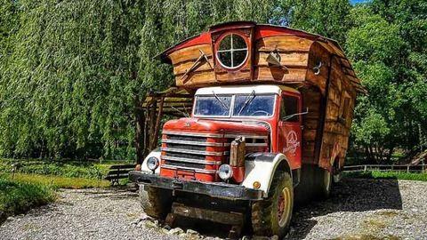 Csepel teherautóból építettek álomnyaralót – ilyet még nem láttál