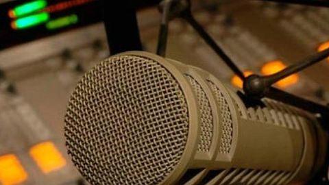 Élő adásban verte meg kolléganőjét egy rádiós