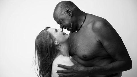 Bejárta az internetet a hetvenéves pár pucér portréja