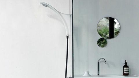 Mosdóhoz csatlakozó zuhanyzó kis fürdőkbe