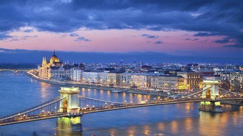 Vasárnapig pokoli lesz Budapest belvárosában közlekedni