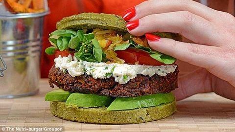 Ebből készül a világ legegészségesebb hamburgere