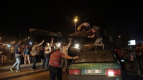 Leverték a puccsot Törökországban