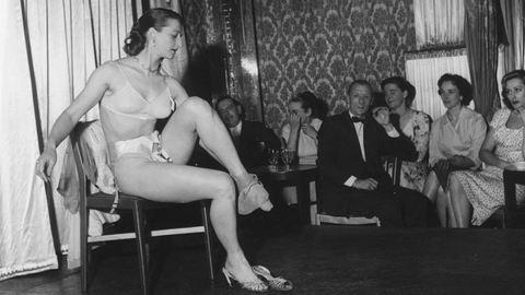 Így dolgoztak a sztriptíztáncosok az 50-es években