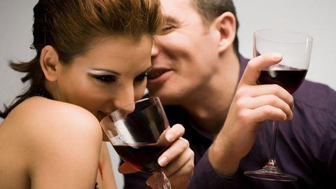 A pároddal együtt inni jót tesz a kapcsolatnak