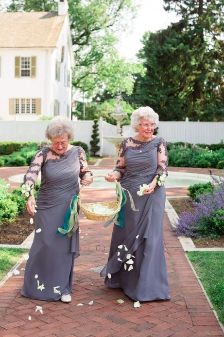 Mindkét örömanya koszorúslány lett az esküvőn