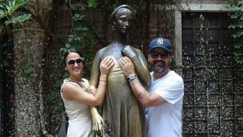 Júlia mellét markolja Gianni és Debreczeni Zita