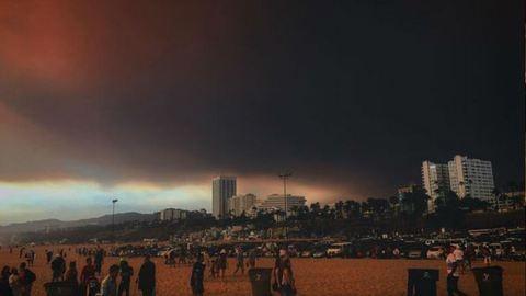 Drámai képek – füst és hamu borítja Los Angelest, akkora a tűz