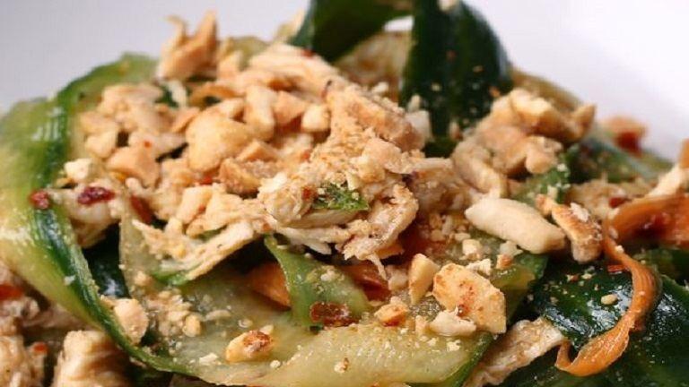 Most megtudhatod, hogy készíts mennyei pad thai salátát otthon!