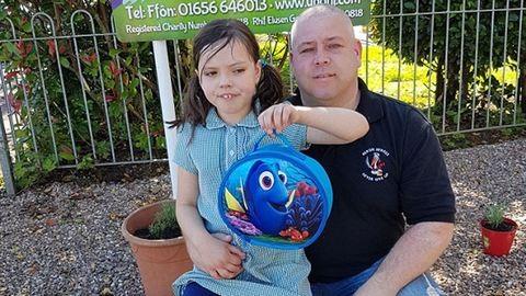 Kiengesztelték az apukát, akit lánya bántalmazásával vádoltak a rendőrök