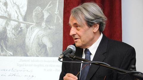 Meghalt Szegedy-Maszák Mihály