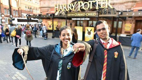 Az új Harry Potter könyv eladása máris rekordot döntött, pedig még meg sem jelent