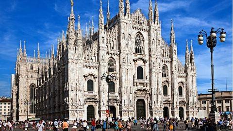 Bezártak egy turistát éjszakára a milánói dómba