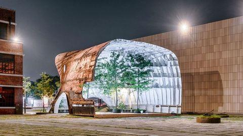 Csúcsszuper újrahasznosítás: tankerből pavilon