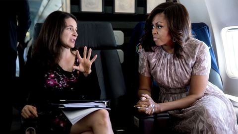 Ismerd meg a nőt, aki Michelle Obama ütős beszédeit írja