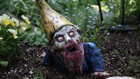 A zombik már a kertünkben vannak