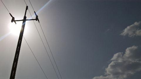 Meztelen férfit találtak egy villanyoszlopon Székesfehérváron