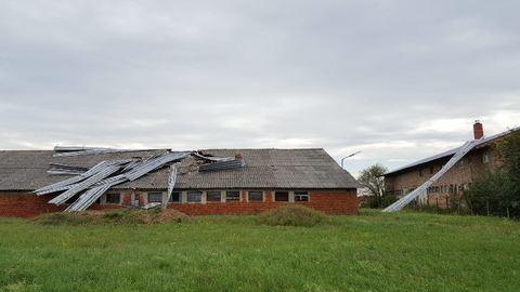 Tornádó tombolt Kőszeg mellett – háztetőket vitt el a vihar