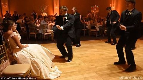 Zseniális tánccal kápráztatta el a menyasszonyt a vőlegény