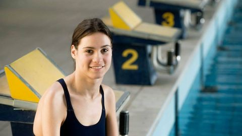 """""""Egy Rió… az azért jó!"""" – Adámi Zsanett úszó, aki miatt kidobták a válságtervet a gimnáziumban"""