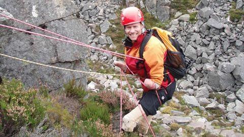 Óriási hegymászóbravúr a négy végtagján amputált családapától