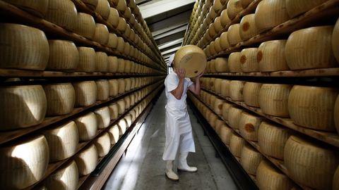 Parmezán: a sajt, amitől még az anyatej is finomabb