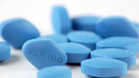 Egy 15 éves kisfiú a világ legfiatalabb Viagra-függője