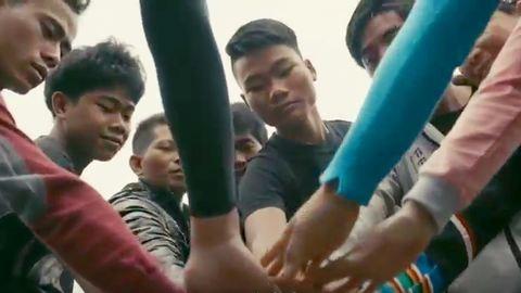 Ilyen az igazi játék, határok nélkül – videó