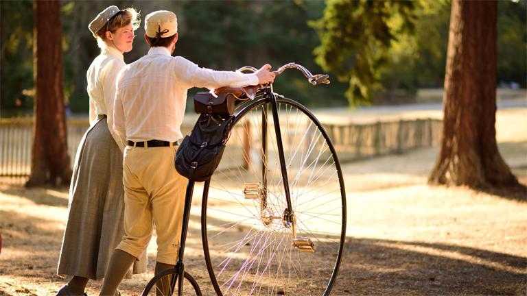 Így él egy XXI. századi viktoriánus pár (Fotó: Sarah Chrisman/Facebook)